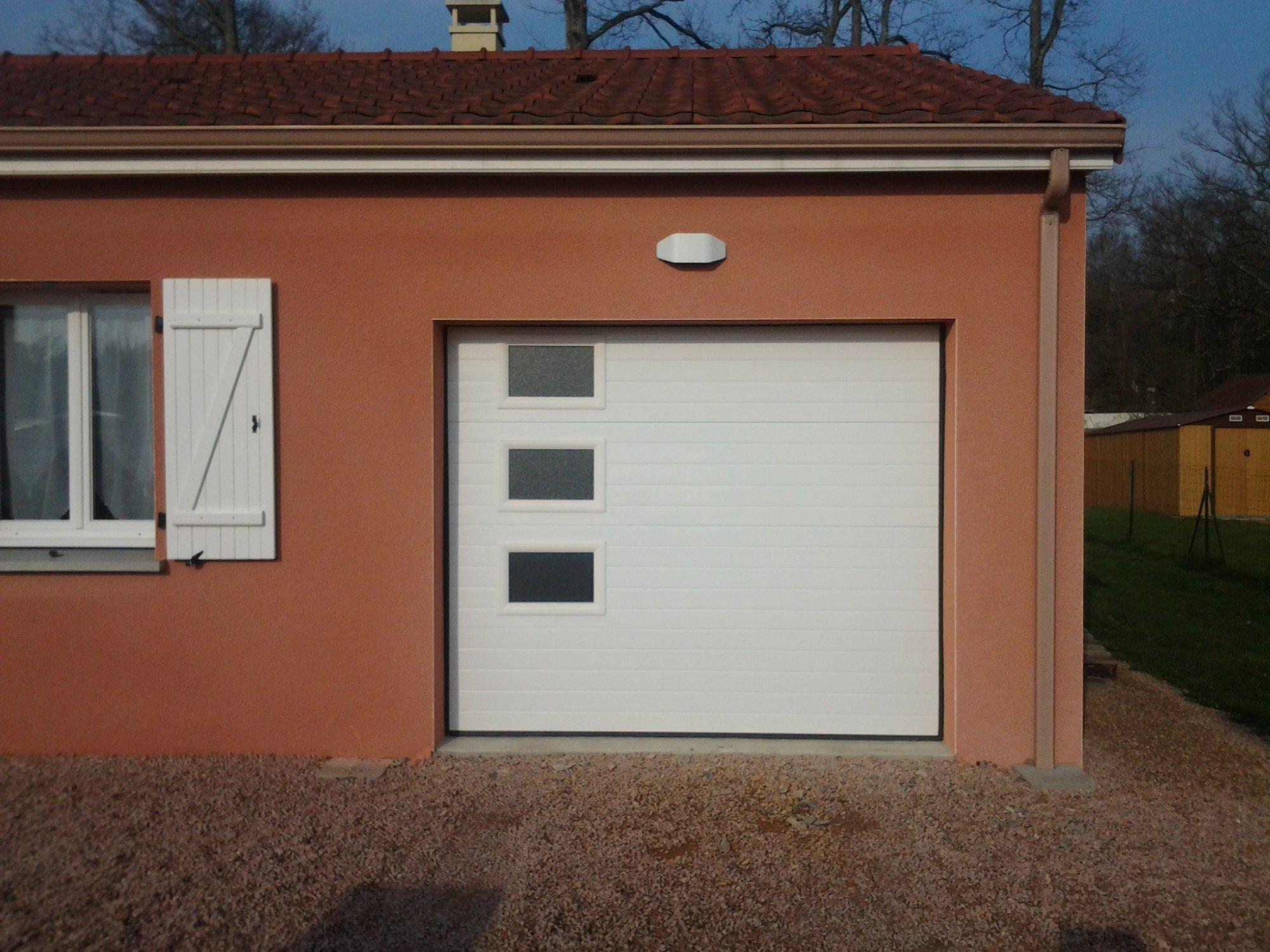 Porte de garage sectionnelle plafond techpro ascenseur for Prix porte de garage techpro